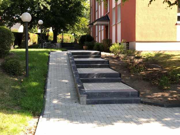 Gehwege & Treppenstufen